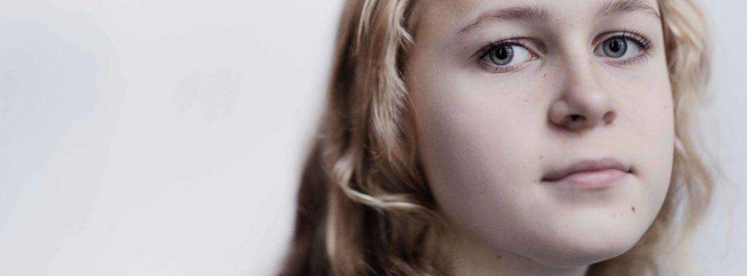 """Nuorten hyvinvointivinkit: """"Läheisen sairastaminen on rankkaa, mutta sen kanssa ei tarvitse jäädä yksin."""""""